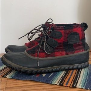Size 8 Sorel Buffalo Plaid Out N About Boots